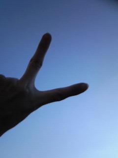 PEACE。